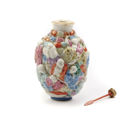 Chinese moulded porcelain eighteen luohan snuff bottle with Qianlong mark